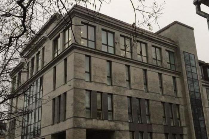 В Петербурге напали на бизнес-центр, где работает «фабрика троллей»