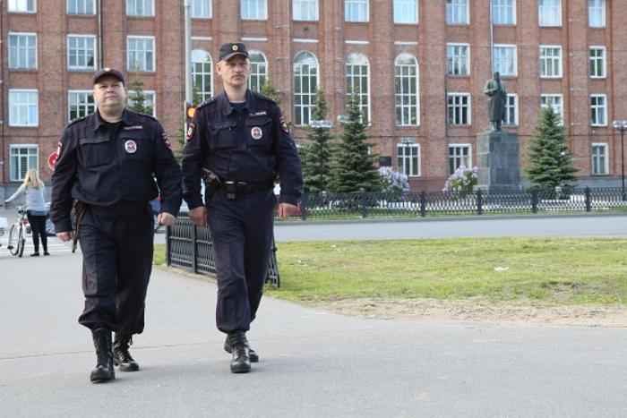 Профессии, которые ненавидят: полицейский — о маленькой зарплате, черных риелторах и поиске пропавших детей