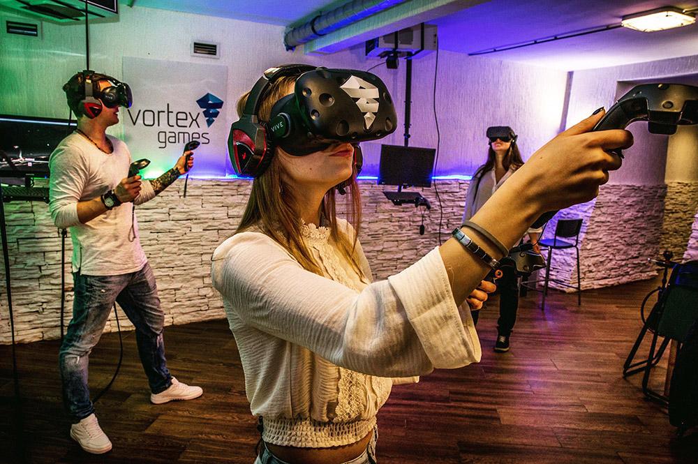 «Никто не знает, как это должно выглядеть»: основатели клубов виртуальной реальности — о бизнесе на технологиях будущего
