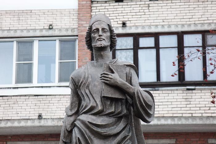 Монумент Руставели работы Церетели откроют вПетербурге