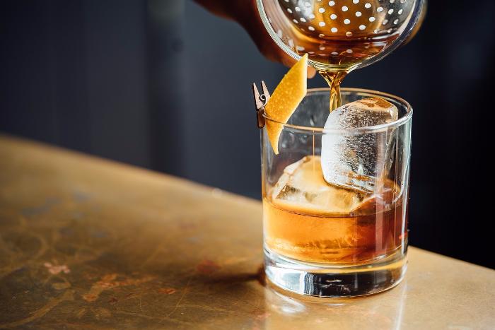 Домашние коктейли для новогодней вечеринки: приготовить, чтобы получилось «как в баре»