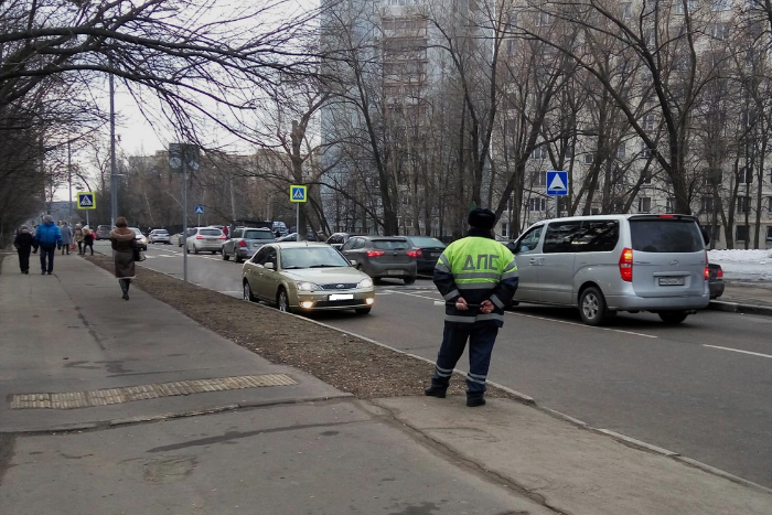 Профессии, которые ненавидят: сотрудник ДПС — о взятках, авторитете ГИБДД и помощи водителям