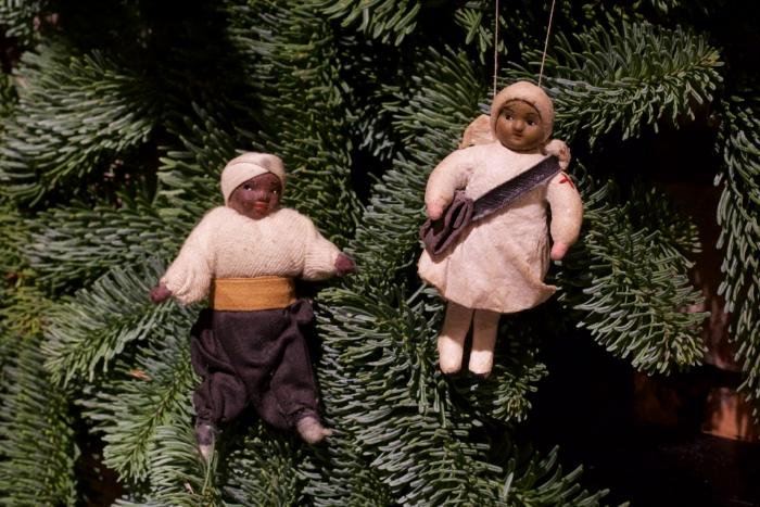 Шесть интерактивных фотографий советских елочных игрушек