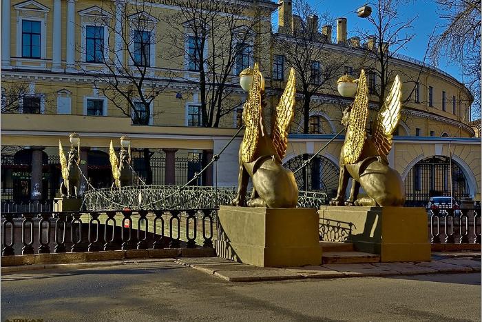 «Хочу срочнейше мужчину, который будет содержать»: пять просьб петербуржцев к грифонам