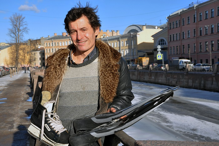 Француз Марк Ар — о домашних концертах, дачных огородах икатании на коньках по каналам