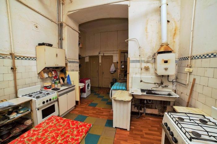Коммуналки, модерн и парадная-сад: восемь экскурсий по петербургским домам и дворам