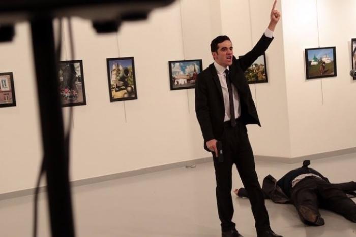 Главный приз World Press Photo получил снимок убийцы российского посла в Турции
