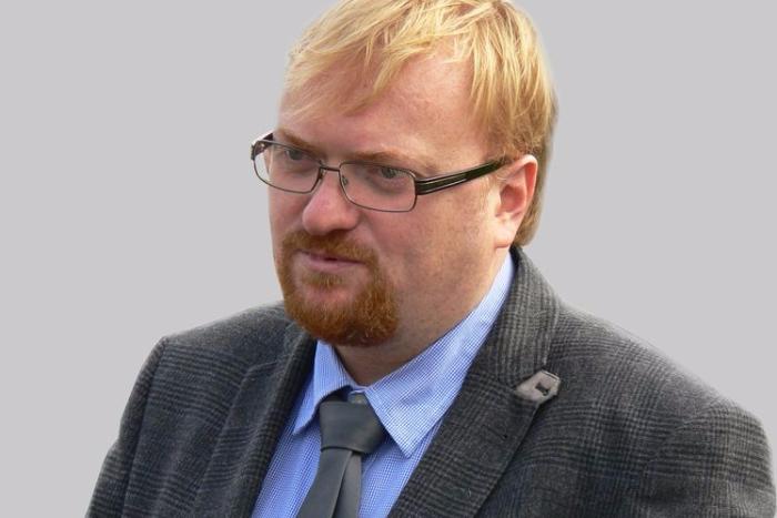 Милонов пообещал выражаться аккуратнее после слов о предках Резника и Вишневского
