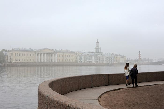 Мокрядь, хмурь и морок: как описать весну в Петербурге