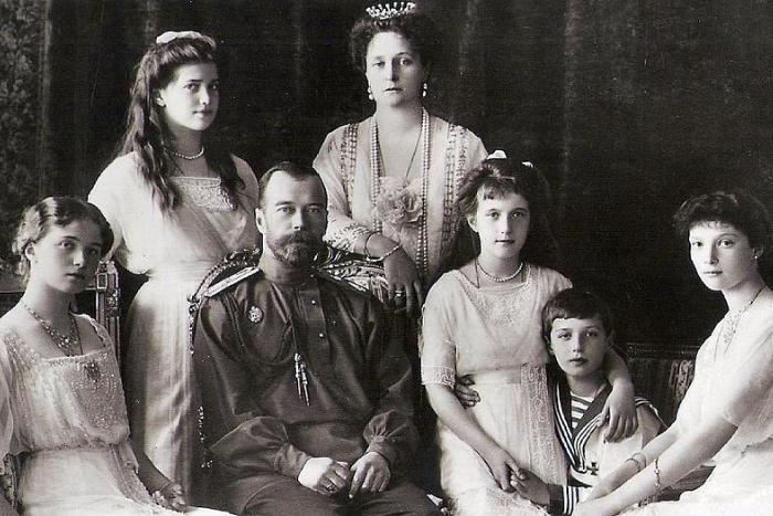 «У нас задачи стратегические»: современные монархисты — о самодержавии, трактовке истории и столетии революции
