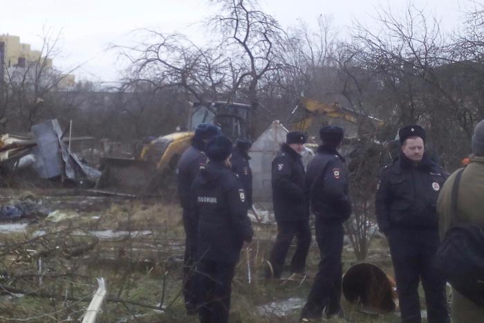 В Металлострое начали снос «Блокадного сада»