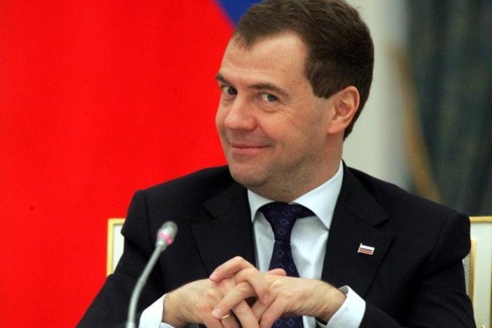 Администрация Гатчины согласовала пикеты за отставку Медведева. А потом телеграммой отменила свое решение