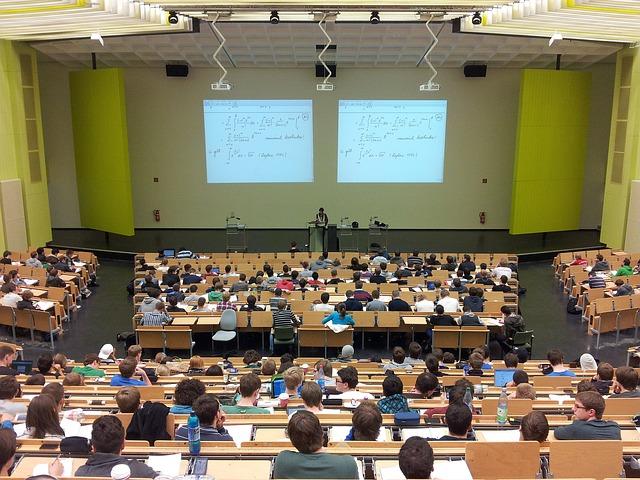 Что говорят студентам и как реагируют на протесты 26 марта впетербургских вузах