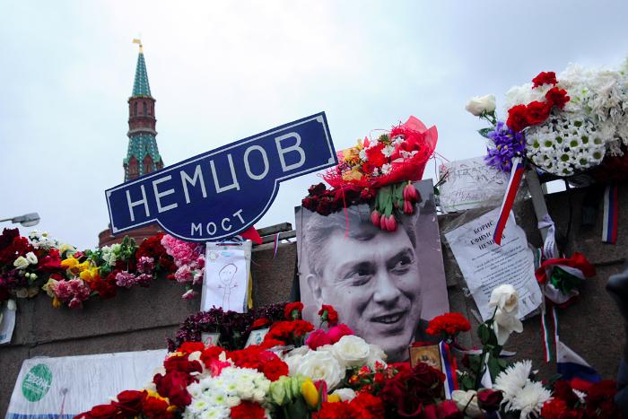 «Метров пять когда осталось, произвел выстрел». СМИ опубликовали видео допросов обвиняемых в убийстве Немцова