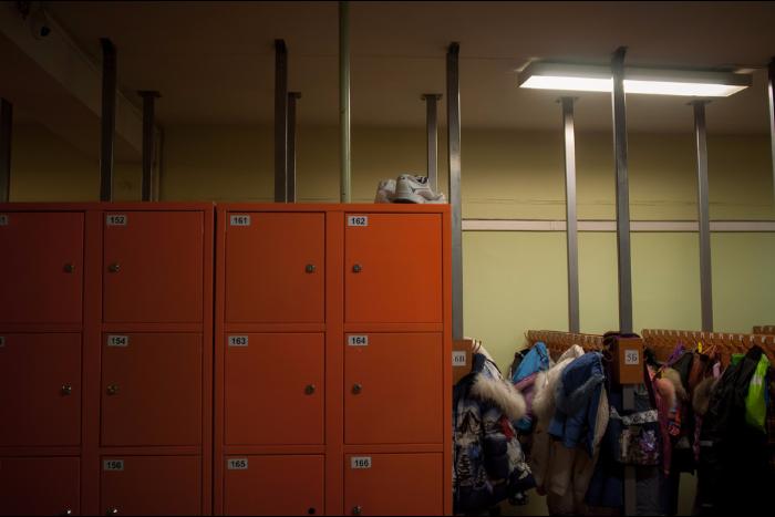 Профессии, которые ненавидят: гардеробщица — о скуке на рабочем месте, кражах и заискивании