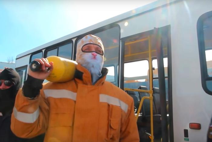 Три петербургских кавера на песню «Тает лед»: спасатели, студенты ИТМО и «дореволюционный» ансамбль