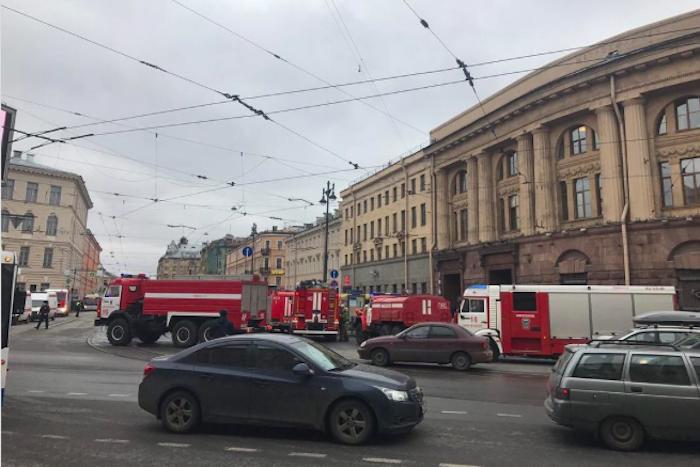 Затишье, паника и слухи: что происходило и о чем говорили у метро сразу после теракта