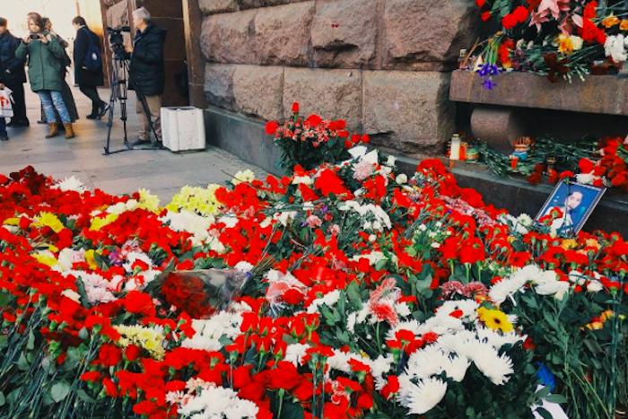 Теракт в петербургском метро. Истории очевидцев и мнения экспертов