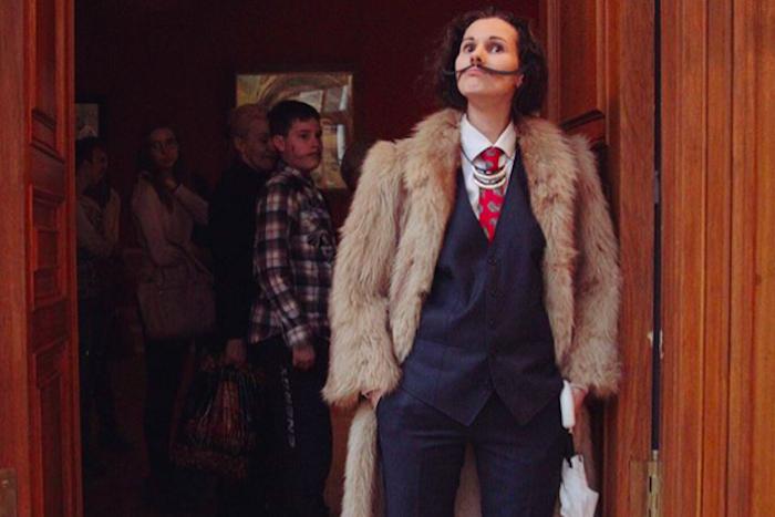 Много Дали: как петербуржцы наряжались испанским сюрреалистом на выставке в Музее Фаберже