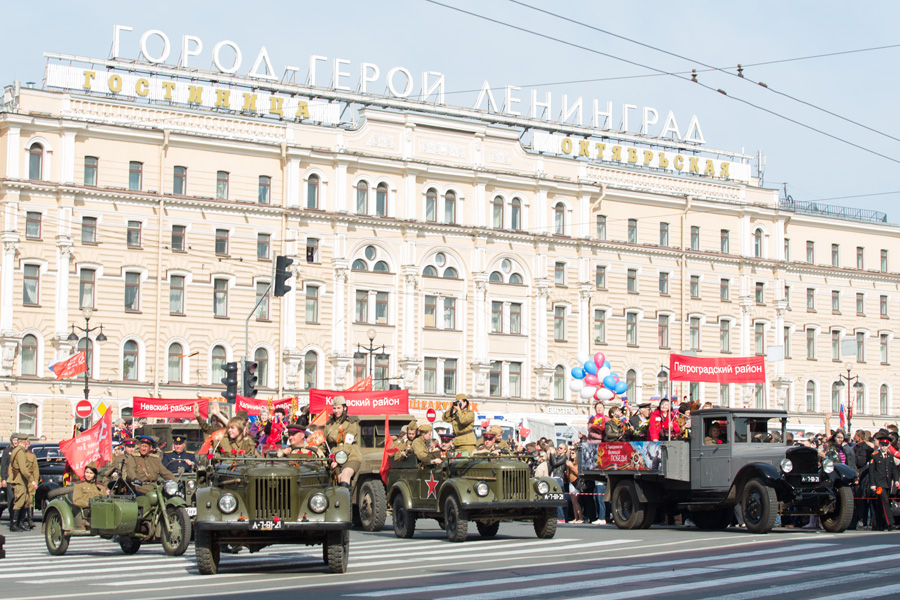 Как прошло 9 мая в Петербурге. Трансляция празднования 72-летия со Дня Победы в фото и видео