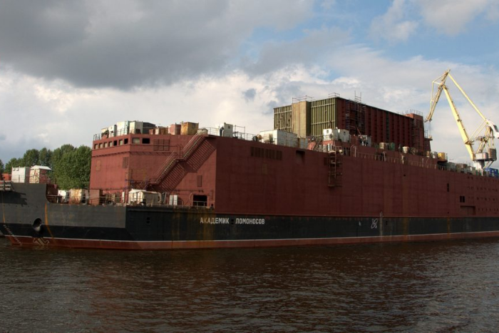 Что для Петербурга значит строительство экспериментальной плавучей АЭС? Цель проекта и опасения горожан
