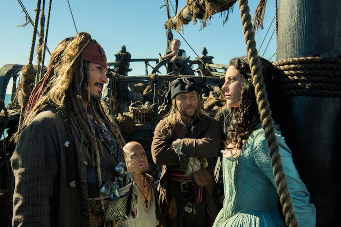 Кино недели: приключения капитана Джека Воробья и истории интернет-радикалов