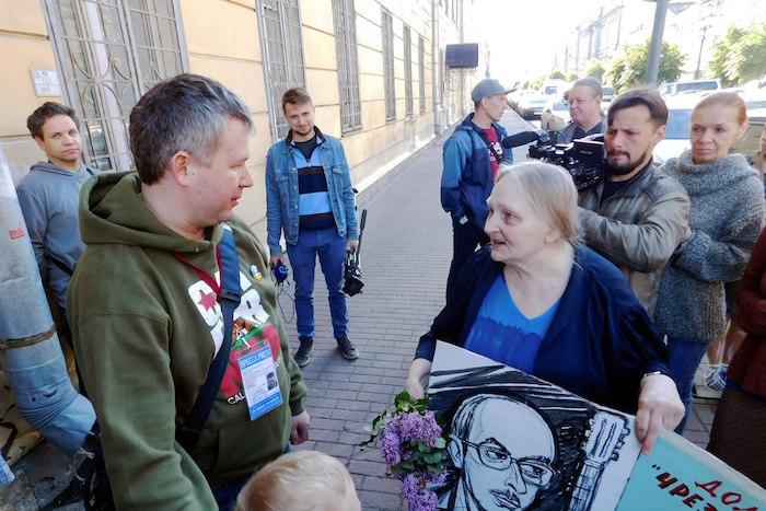 Правозащитник Динар Идрисов вышел после двух недель вспецприемнике. И выступил с речью ополитических репрессиях