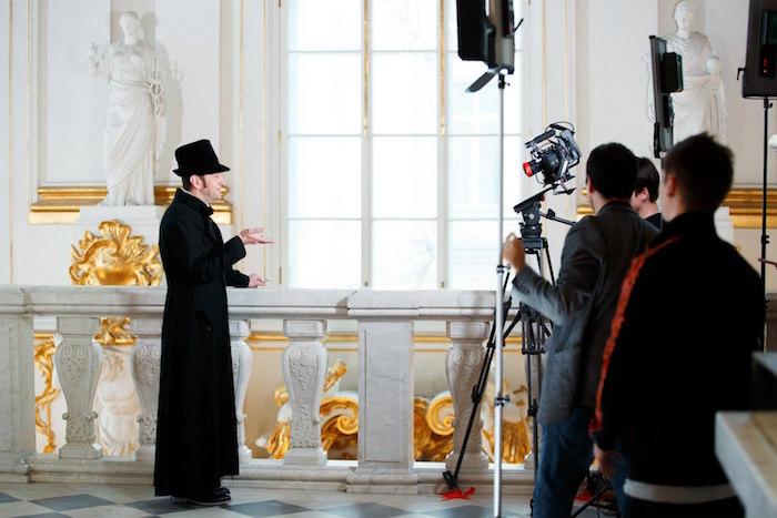 Как в Эрмитаже снимали первый музейный фильм в виртуальной реальности с Хабенским в главной роли