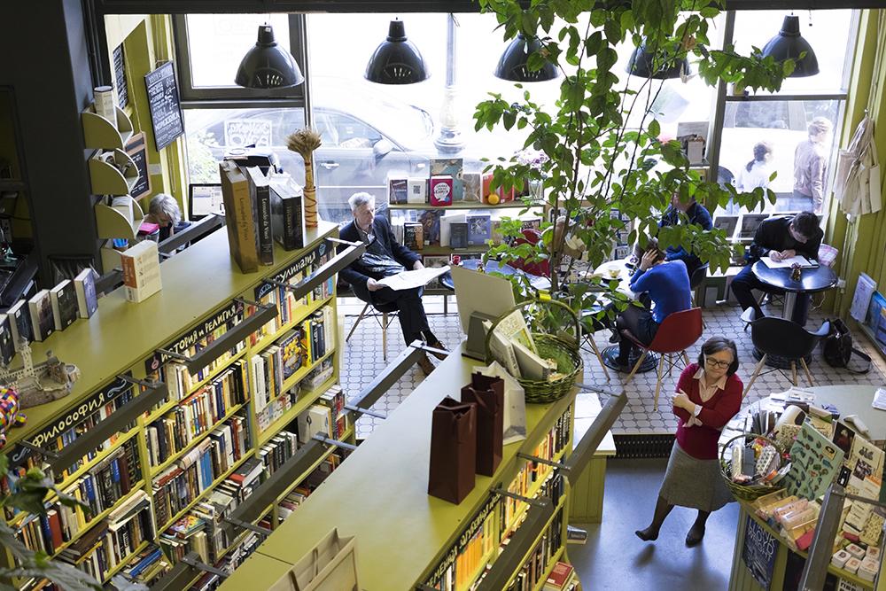 Книжный магазин «Подписные издания» открыл второй зал. С книгами на иностранных языках