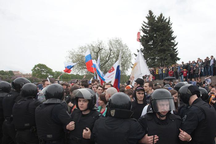 МВД не нашло нарушений в действиях петербургской полиции на акции 12 июня