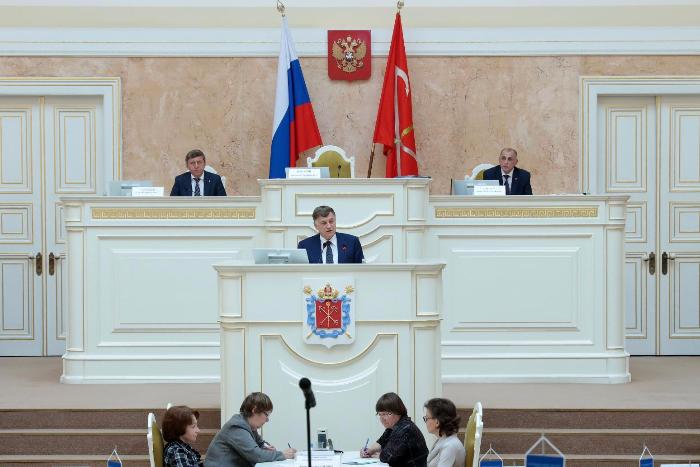 Какие законы приняли петербургские депутаты за 9 месяцев работы. «Плохие» и «хорошие»