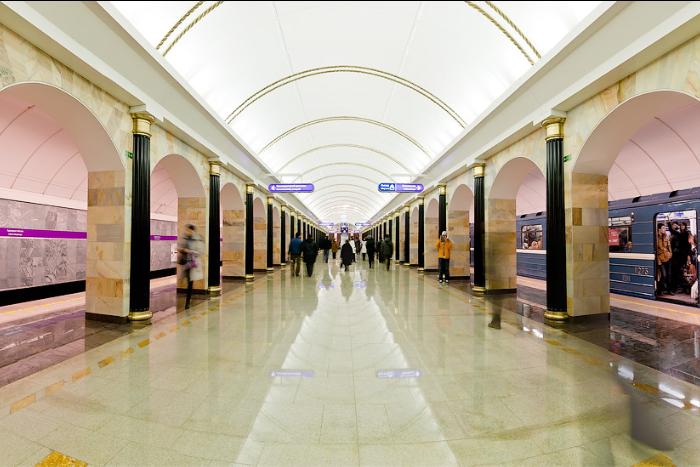 Как работает Wi-Fi в петербургском метро и позволяет ли он смотреть фильмы и вести трансляции?