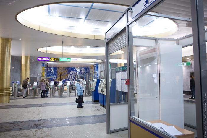 Сколько петербуржцев проверили вметро после теракта и как часто закрывают станции