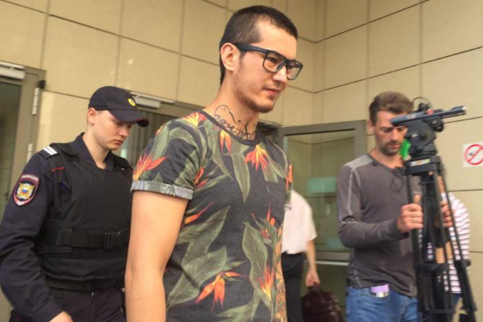 Суд приостановил выдворение из России журналиста «Новой газеты» Али Феруза