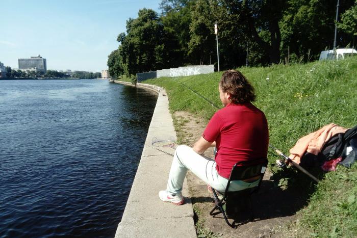 Петербургский рыбак, объяснитесь: что можно поймать в Неве и не страшно ли вам это есть