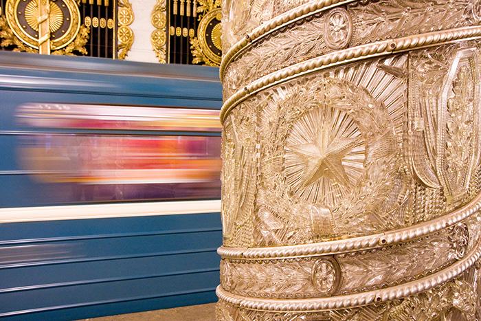 Пройдите тест и выясните, узнаете ли вы станцию петербургского метро по мозаикам и колоннам