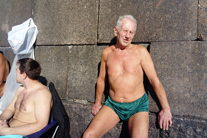 Петербуржец в плавках уПетропавловки, объяснитесь: навас даже смотреть холодно!