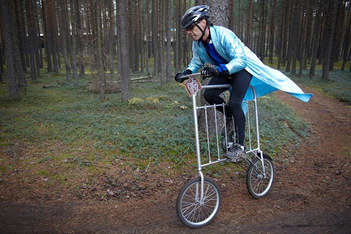 «Покрутить педали и приготовить смузи». Зачем петербуржец сделал велосипед-блендер и велокровать 🚴