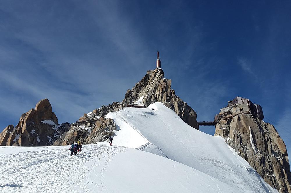 «Это сочетание лучших черт Парижа и французской провинции»: экспаты изРоссии рассказывают оботдыхе в Лионе, горных лыжах и «альпийской Венеции»