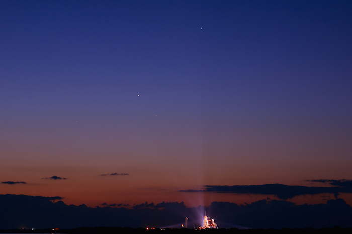 В октябре петербуржцы увидят малый парад планет. Уже в четверг можно наблюдать сближение Марса и Венеры