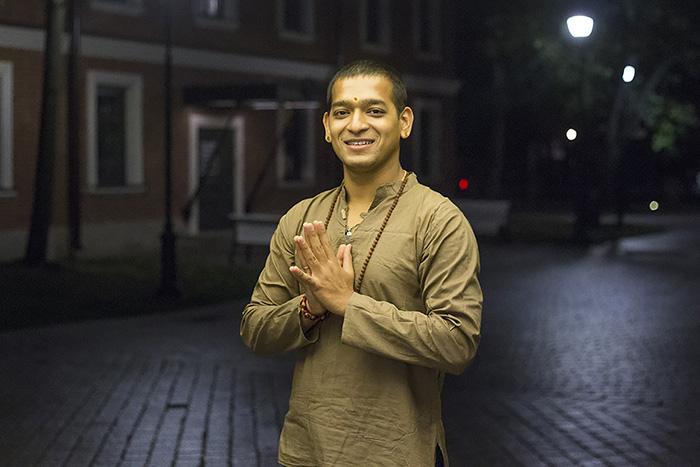 Индиец Вишну Шаран Шукла — оботношении к йоге в России, Неве и иван-чае после бани