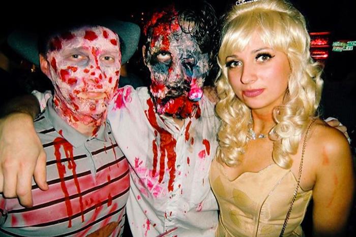 Джокер, Фредди Крюгер и Эдвард Руки-ножницы: как в Петербурге праздновали Хэллоуин — в 15 фотографиях