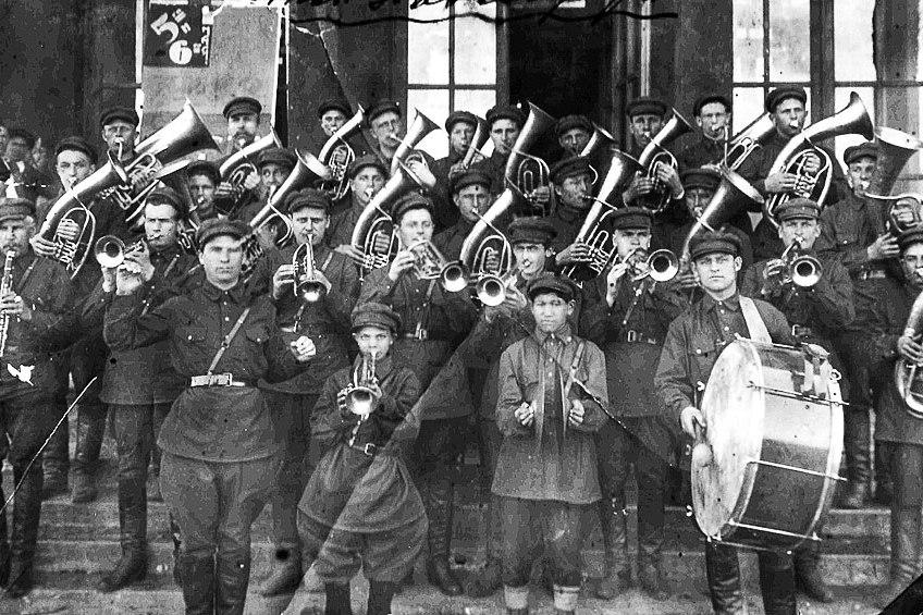 Какие русские песни поют во время протестов: плейлист 1917–2017 годов