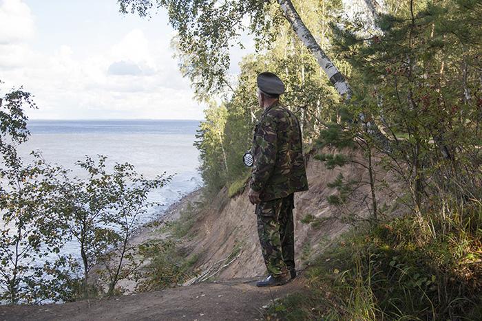 «Форт надо защищать сзубами». Как отставной военный сохраняет местечко на Финском заливе, где проходил рубеж обороны Ленинграда