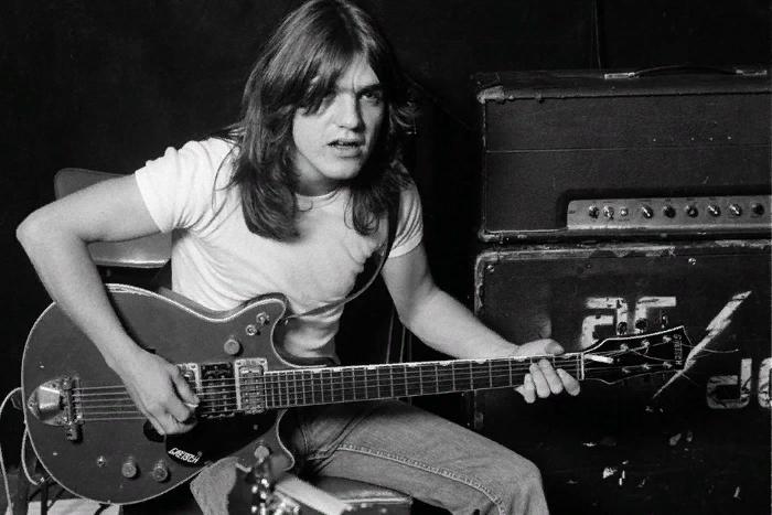 Умер один из основателей AC/DC Малькольм Янг