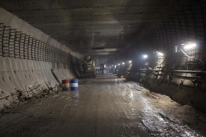 Вот как сейчас выглядят станции петербургского метро «Беговая» и «Новокрестовская»