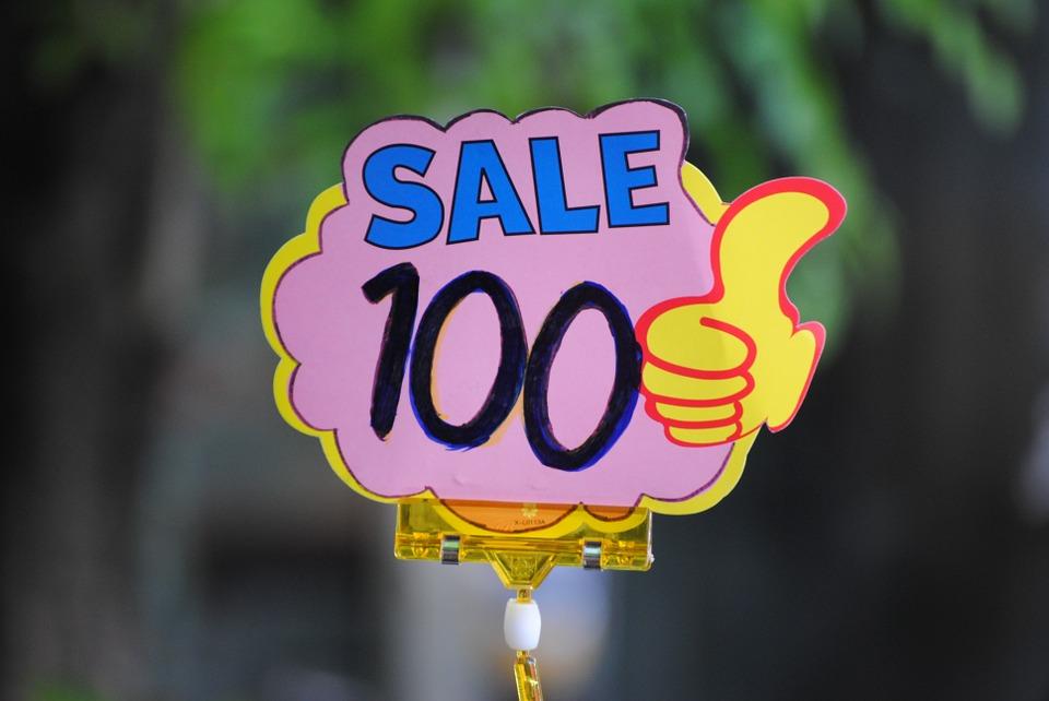 12 онлайн-распродаж «Черной пятницы» в магазинах Петербурга: от одежды и игровых приставок докниг и билетов в театр