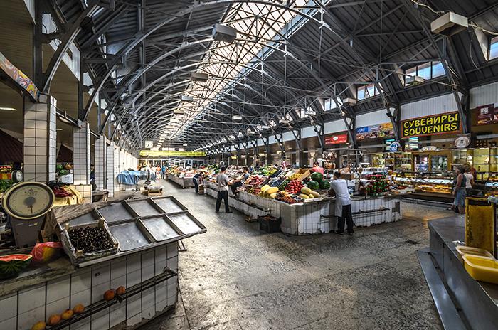 Петербургские рынки хотят обновить, открыв там кафе илектории. Почему фермеры выступают против изменений и что станет спродуктами на прилавках