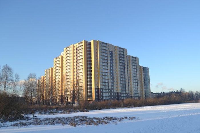 На юге Петербурга сдали долгострой «Дом у озера». На его строительство ушло 13 лет