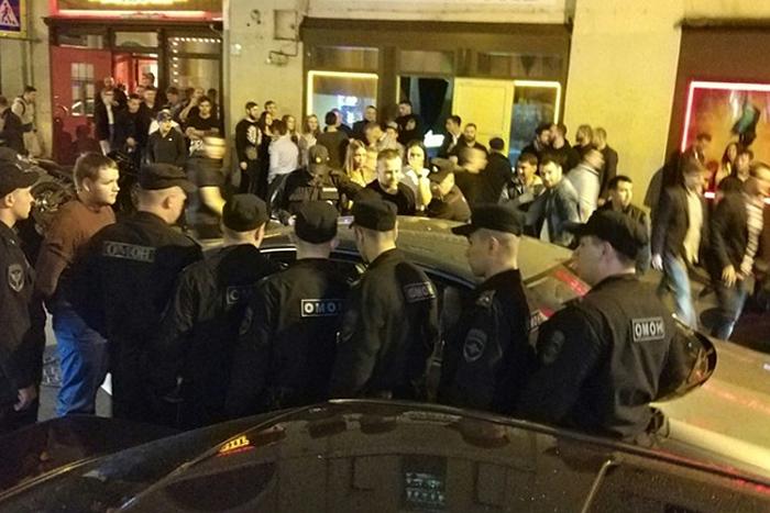 «Закроют заведения на Думской, появится новая Думская». Что владельцы клубов на барной улице думают о проверках и боятся ли закрытия